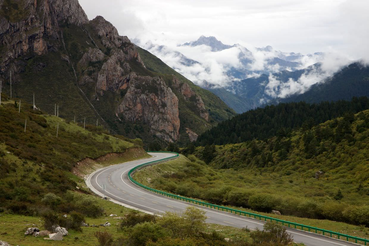 Route X120 through Min mountains to Huanglong