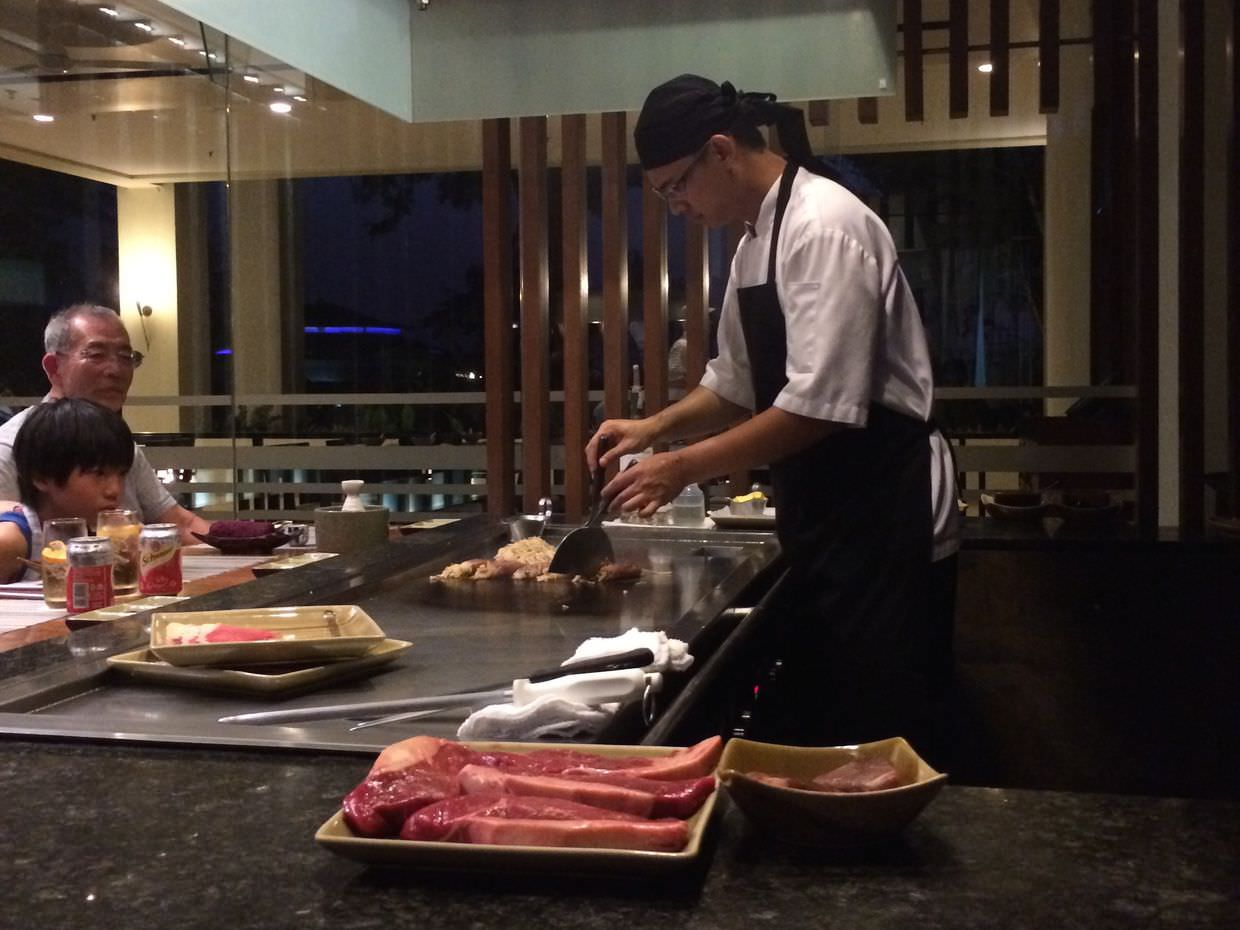 Our teppan-yaki chef