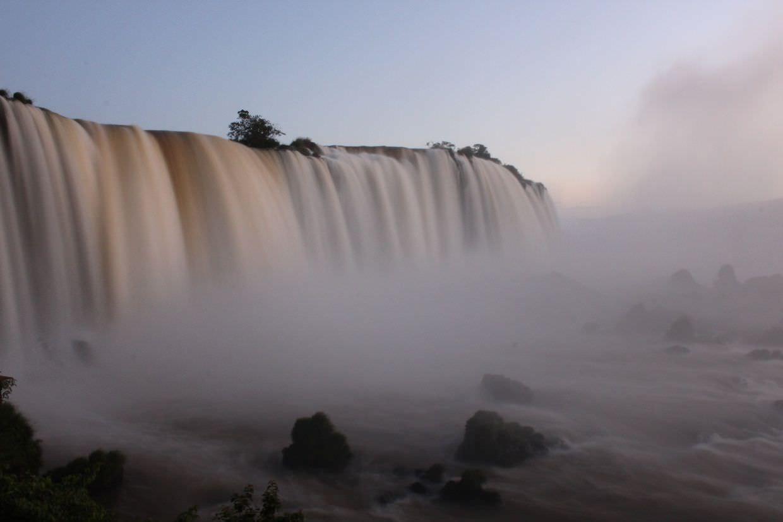 Long exposure of Igauzu falls