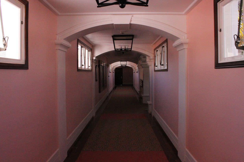 Pink corridors of Hotel Cataratas