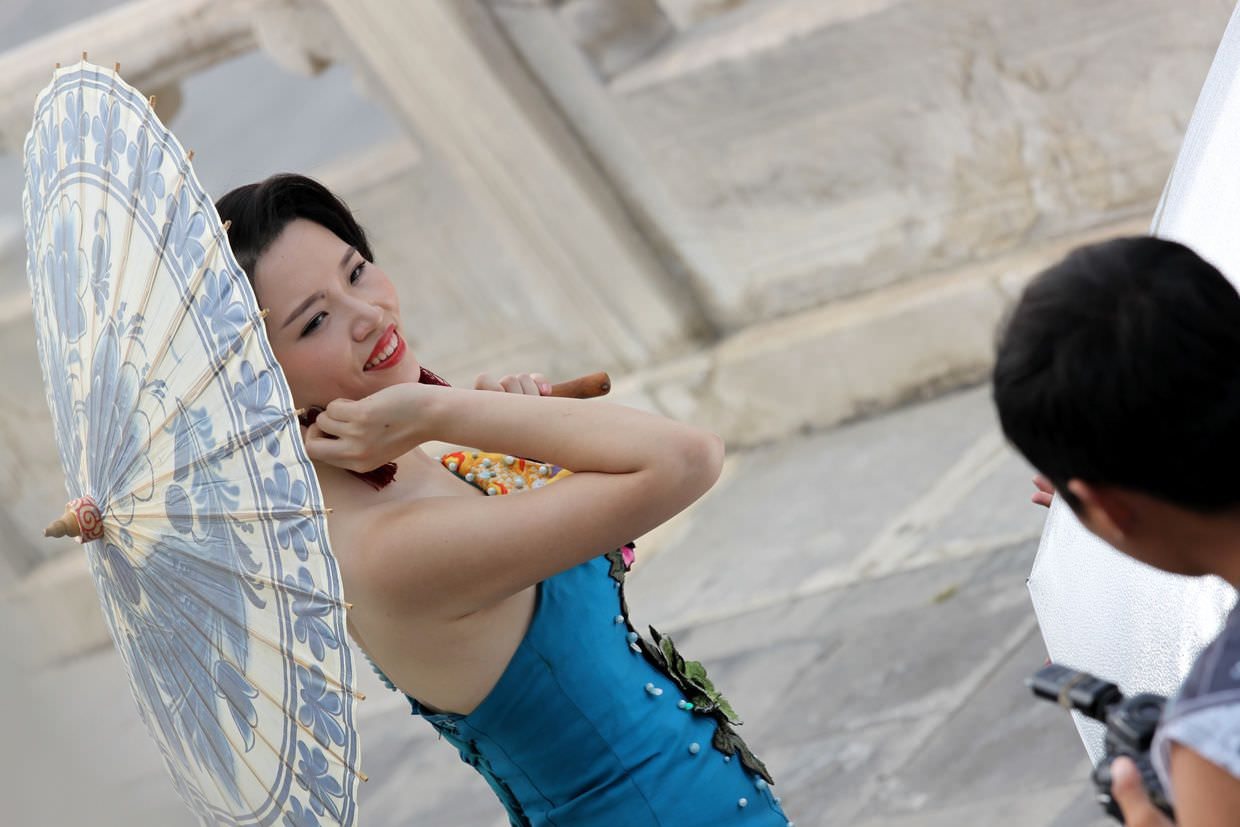 A bride having her photo taken at the Temple of Heaven