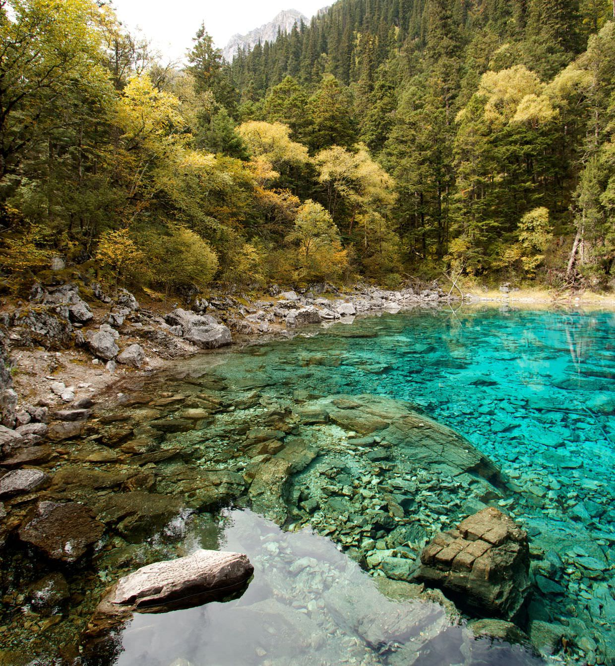 Turquoise and crystal clear Five-colour pond