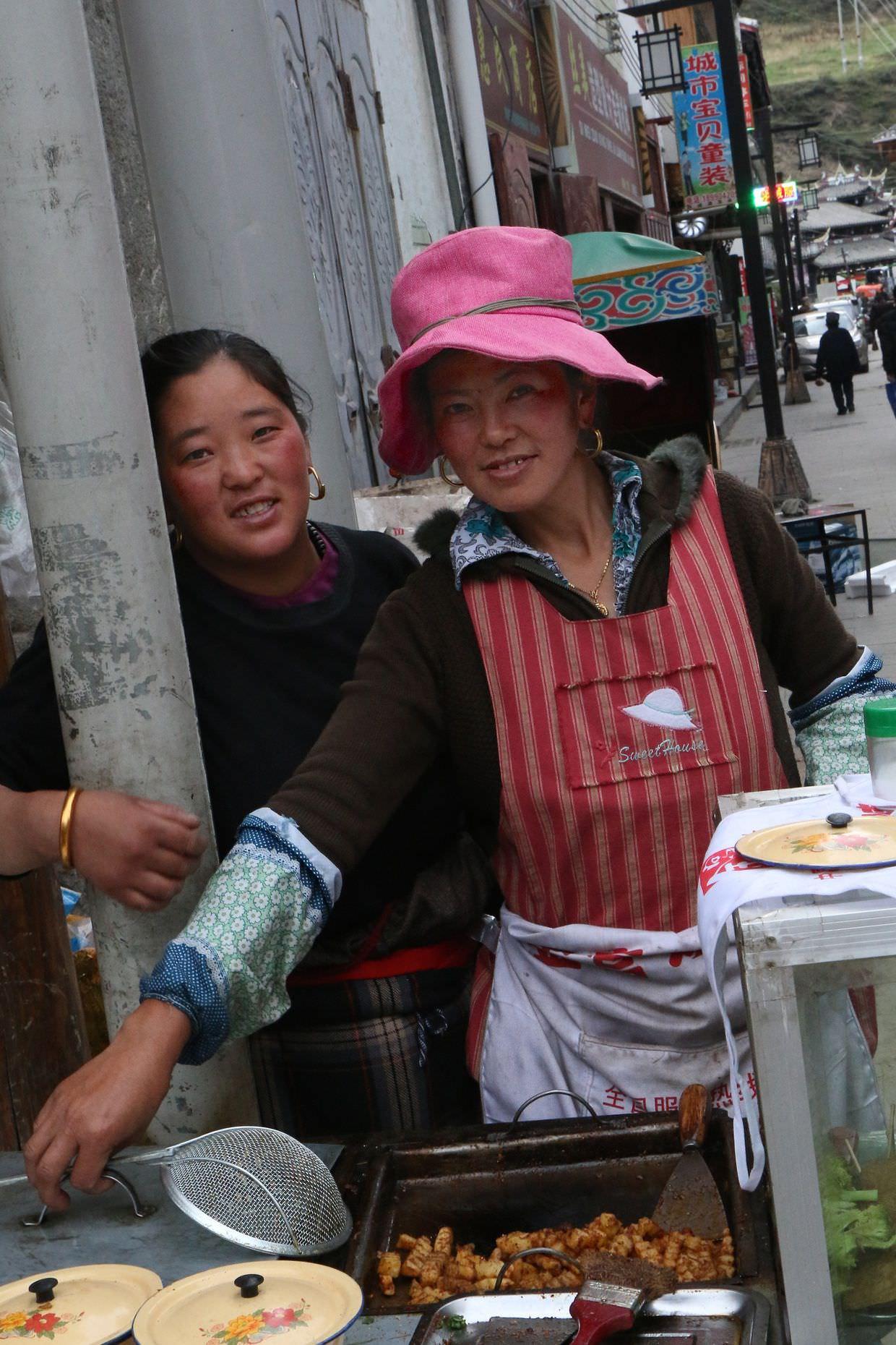 Street food vendors in Songpan
