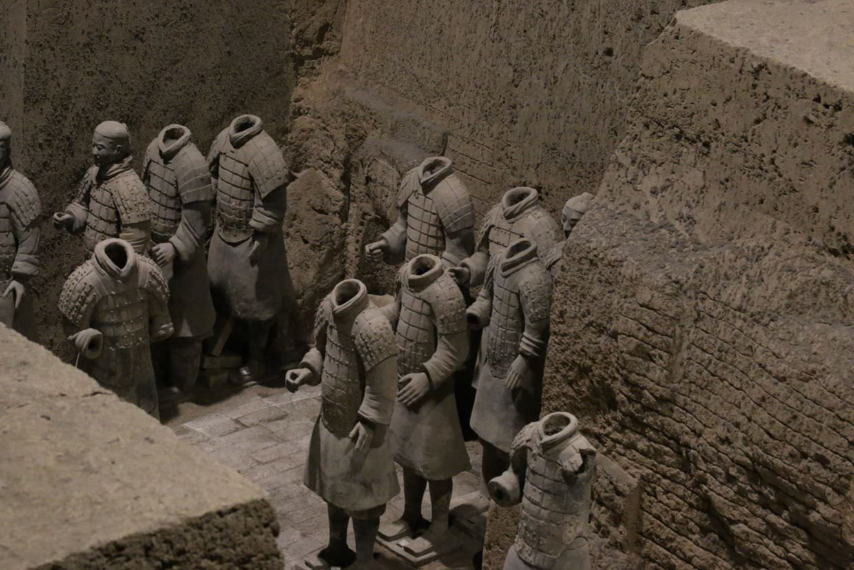 Headless terracotta warriors in pit 3