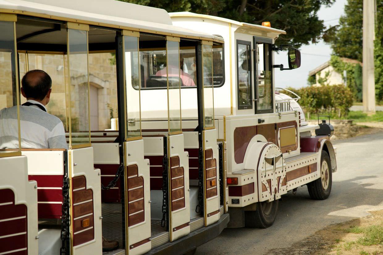 Le Train des Grands Vignobles (The tourist train)