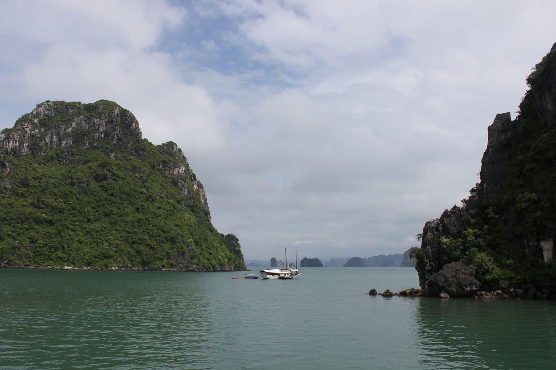 Good morning Bai Tu Long Bay, you quiet peaceful place