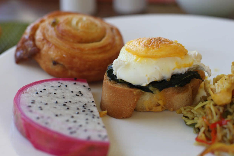 Breakfast - Noodles, Egg and Dragonfruit
