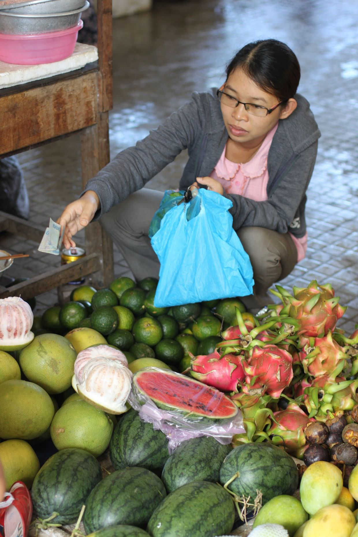 Buying fresh fruit