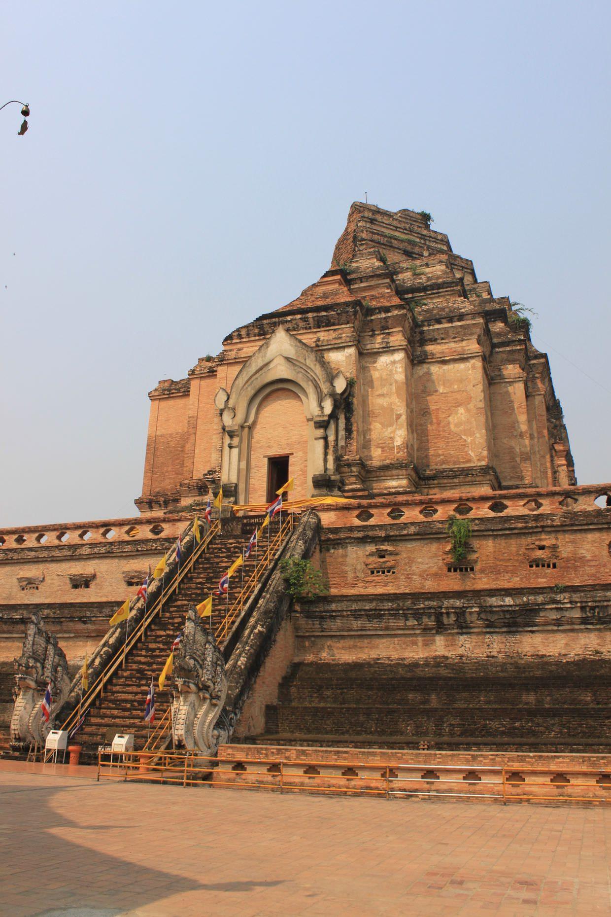 Wat Chedi Luang ruins