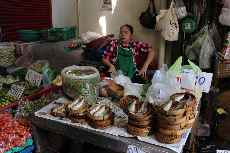 Fish on sale at Talat Warorot