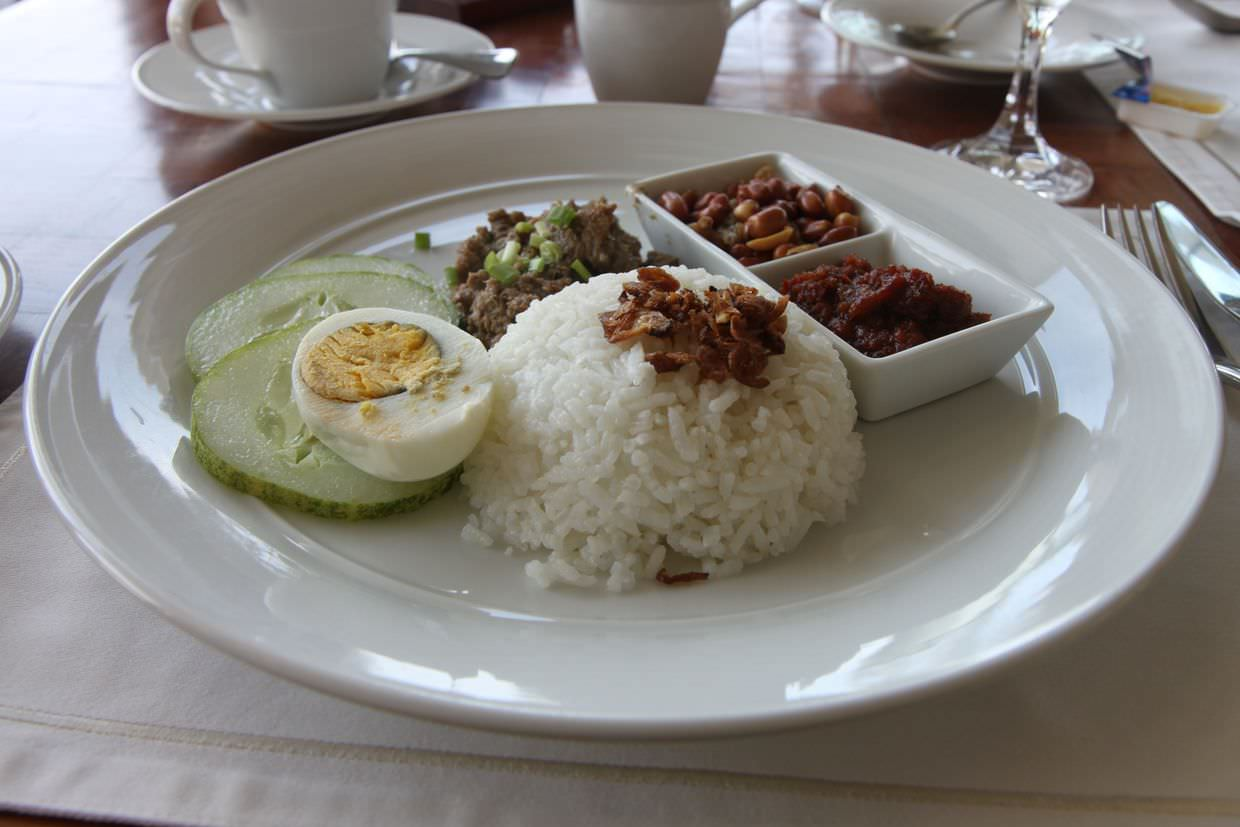 Nasi lemak as a top-up breakfast
