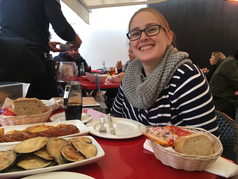 Samantha at El Pimpi