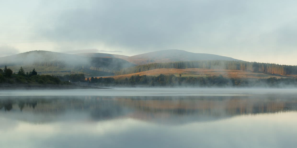 Mist and reflections at Clatteringshaws