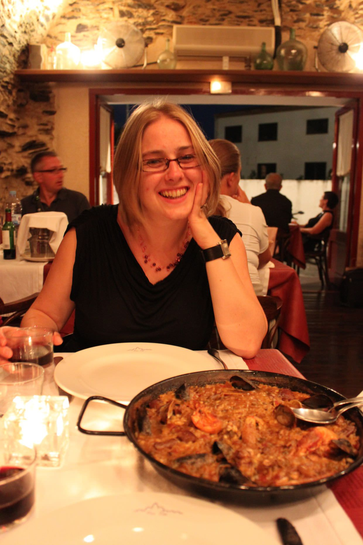 Samantha and our delicious paella at Can Tito