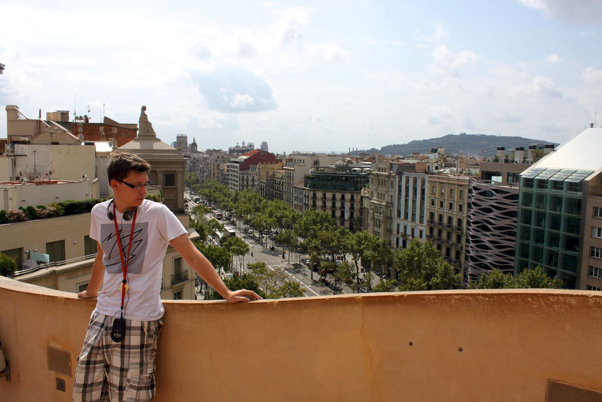 Paul, in his M83 t-shirt, with Barcelona behind him