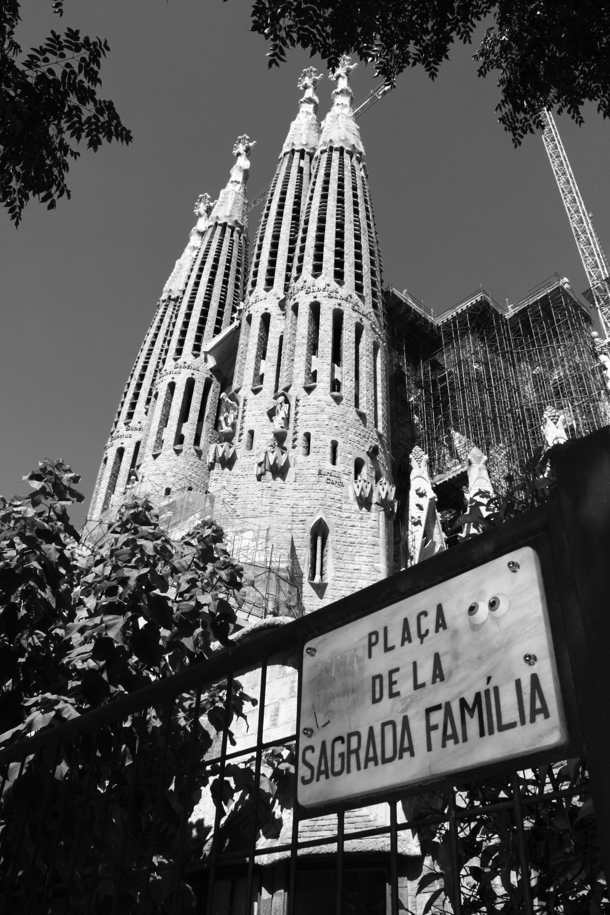 La Sagrada Família in black and white