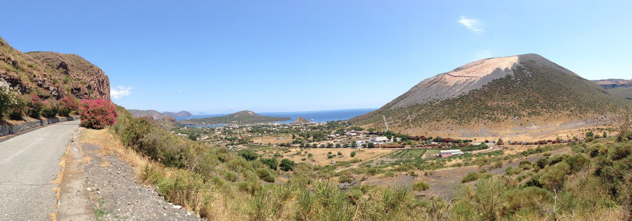 View of Gran Cratere on route to Lentia